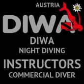 NIGHT DIVING INSTRUCTOR