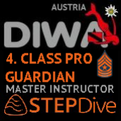 DIWA/STEPDIVE MASTER SCUBA INSTRUCTOR